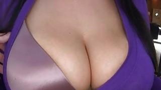 Pretty hottie delights with her blow job